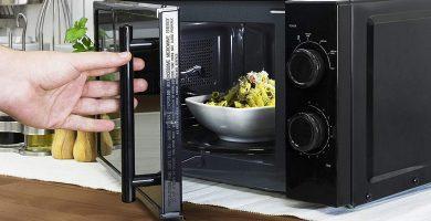 Microondas negro capacidad 20 litros